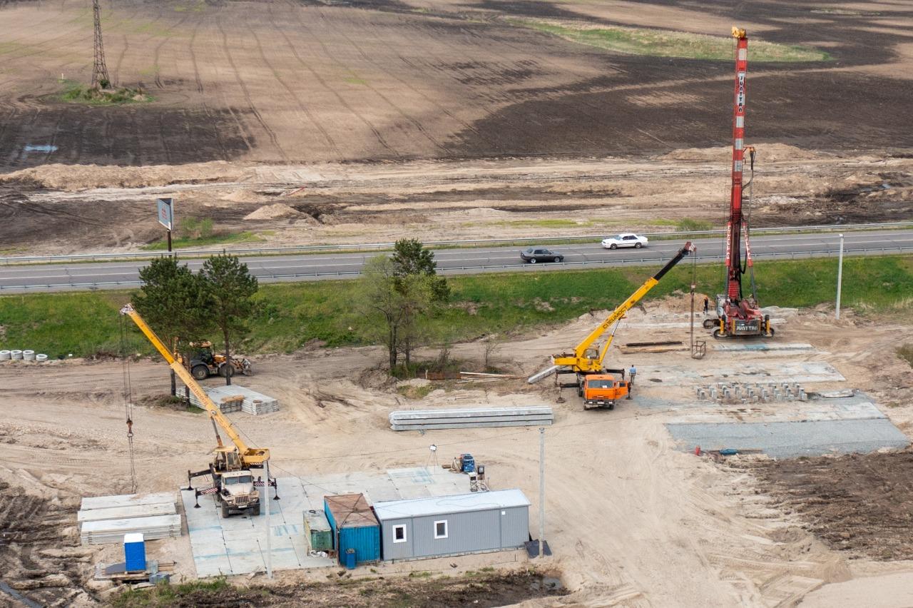 Началось возведение путепровода на подъезде к новому мосту через Зею