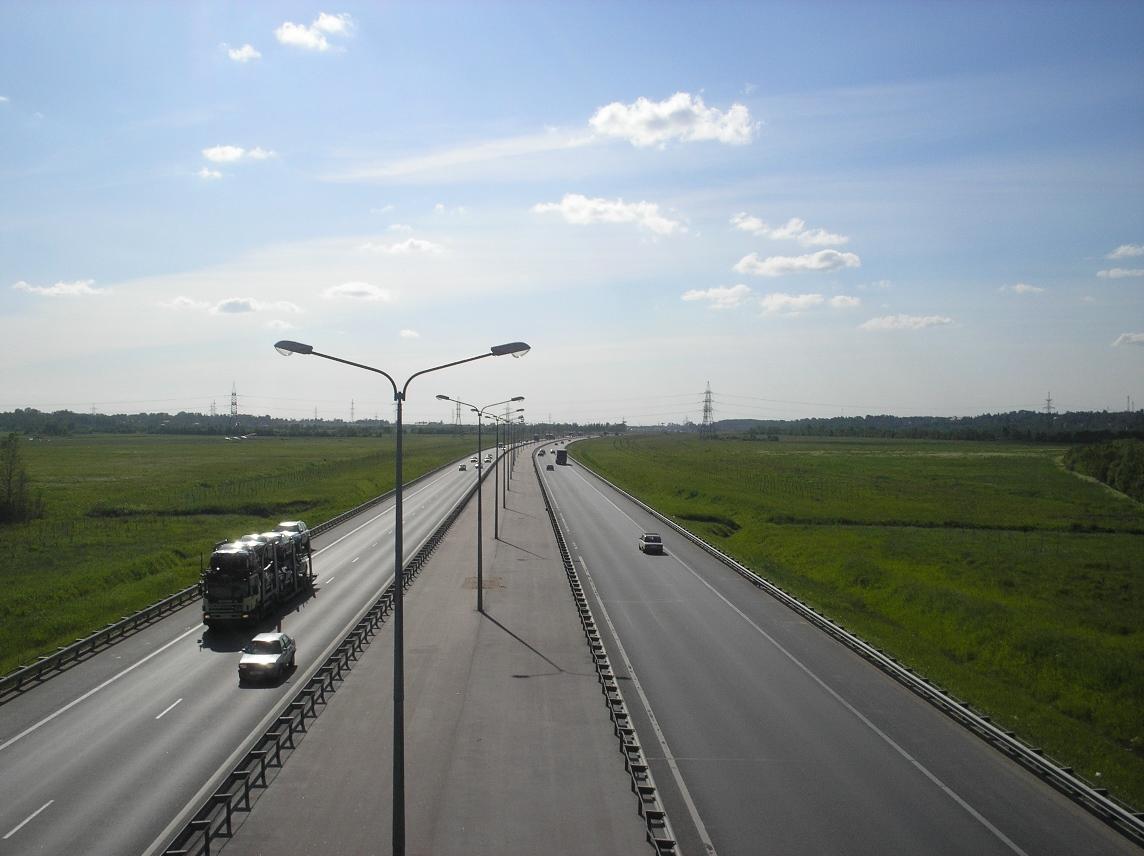 В первые дни июня на КАД Санкт-Петербурга ограничат движение грузовиков