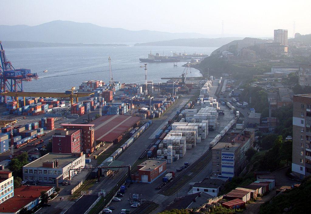 Ввозить и вывозить санкционную продукцию можно через порты
