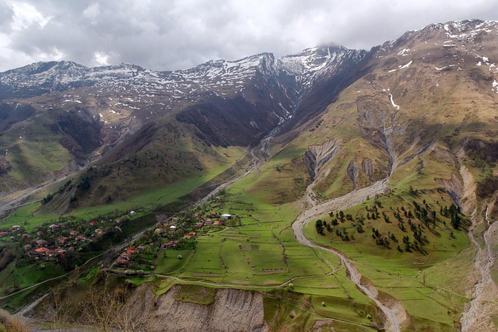 Движение по грузинской магистрали «Мцхета-Степанцминда-Ларс» частично ограничат