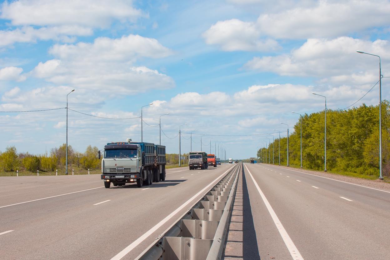 Продажи новых грузовиков в июне чуть подросли, но уступают темпам прошлого года
