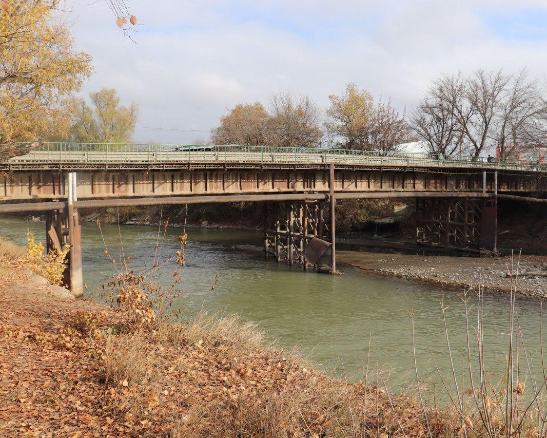 В Грозном реконструируют мост через реку Сунжа