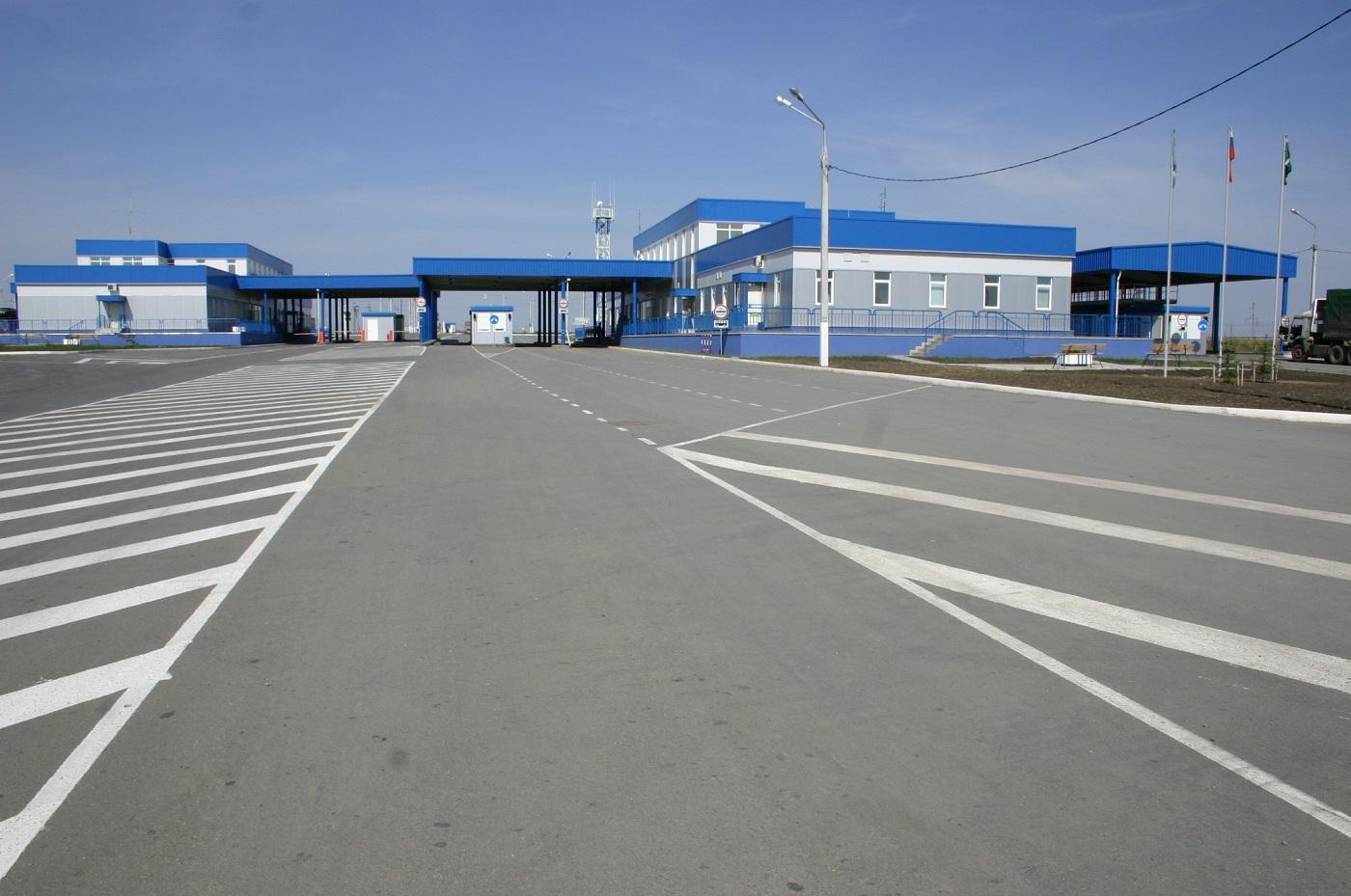 Оренбургская таможня выявила нарушения у 15% грузового трафика на границе с Казахстаном