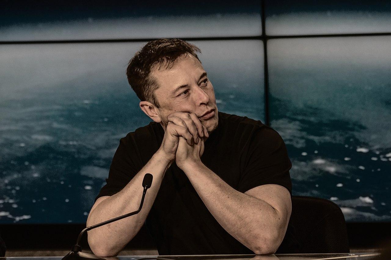 Компания Tesla близка к созданию полностью автономного автомобиля