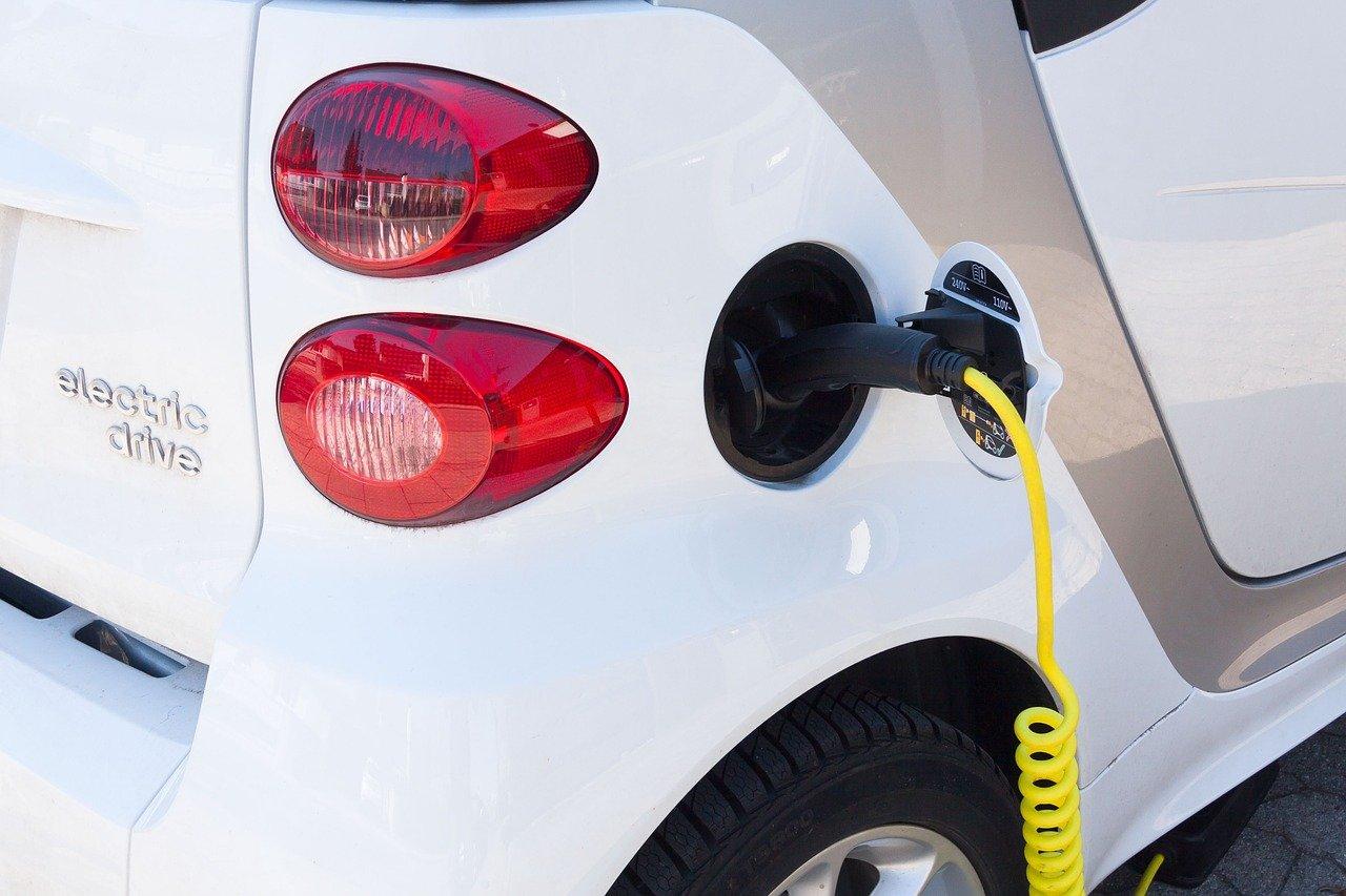Льготный лизинг и автокредитование распространят на электромобили