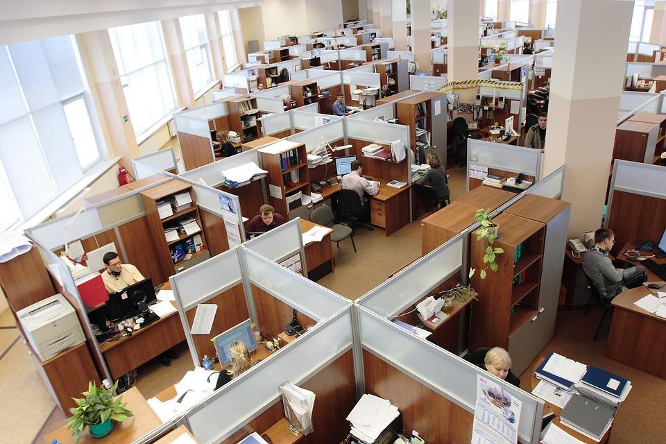 Большинство россиян поддерживают переход на четырехдневную рабочую неделю