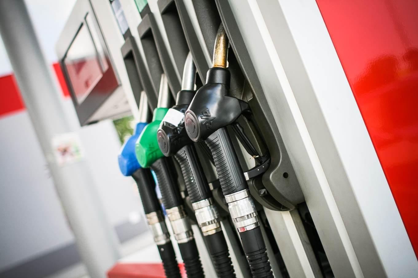 Цены на бензин на бирже приблизились к историческим максимумам
