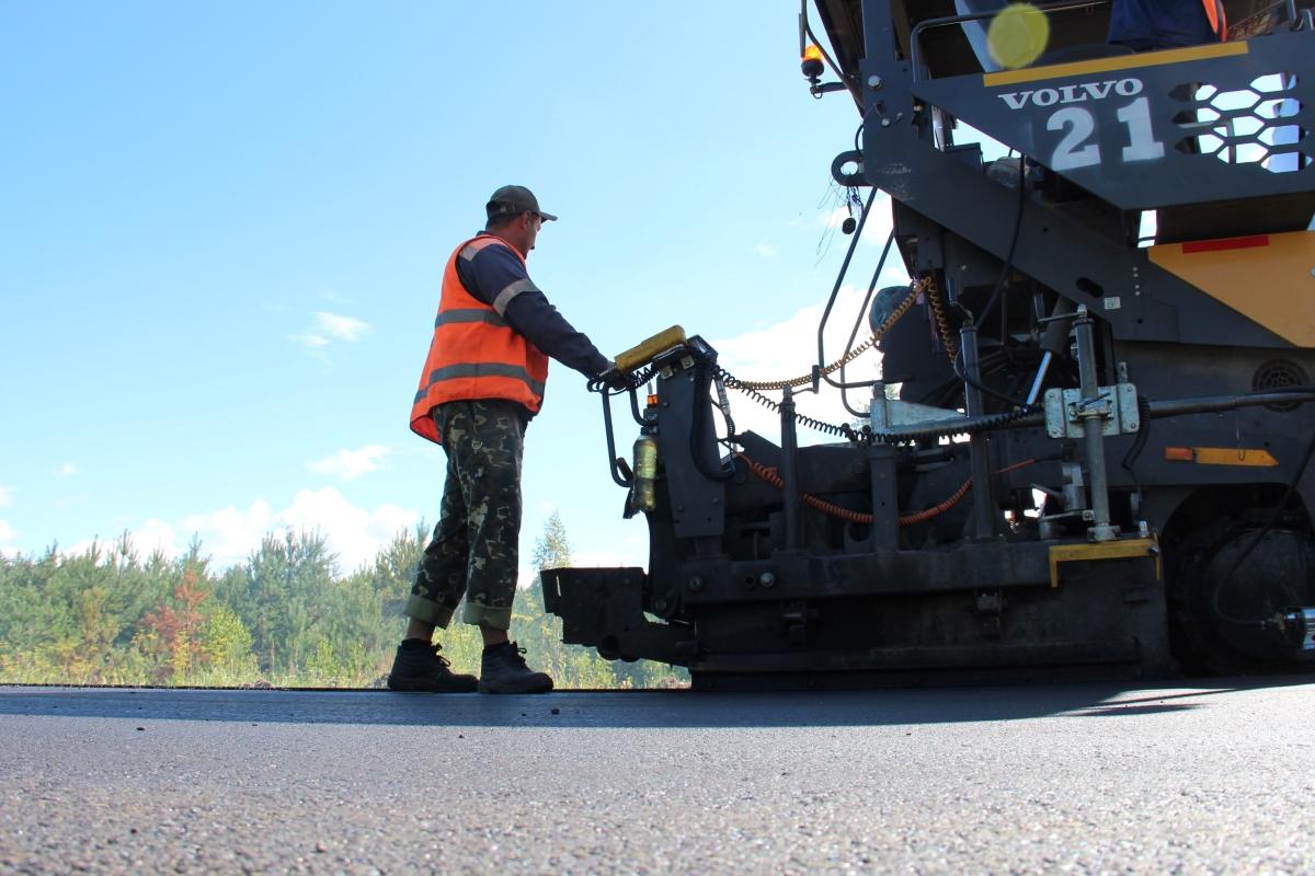 Псковские власти удвоят число контрактов на ремонт дорог по новым технологиям