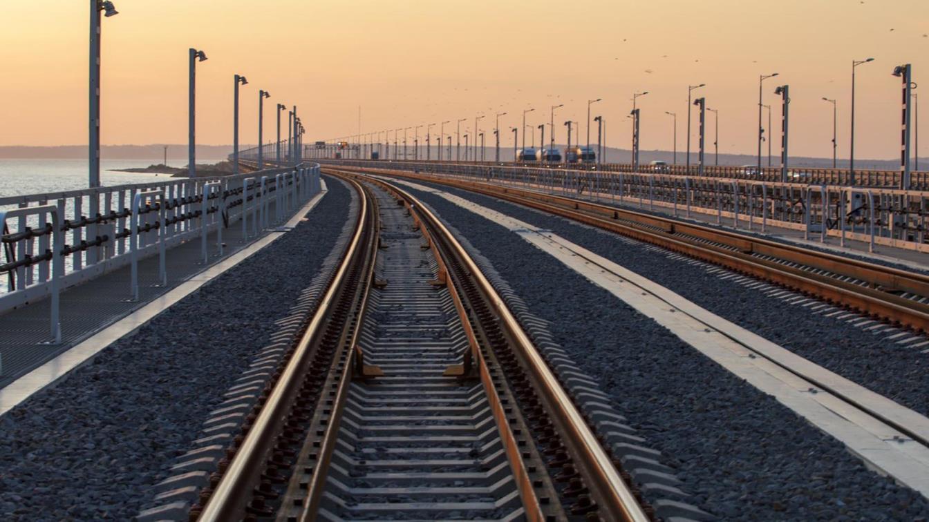Отменен приказ о наложении навигационных пломб на вагоны, следующие по Крымскому мосту