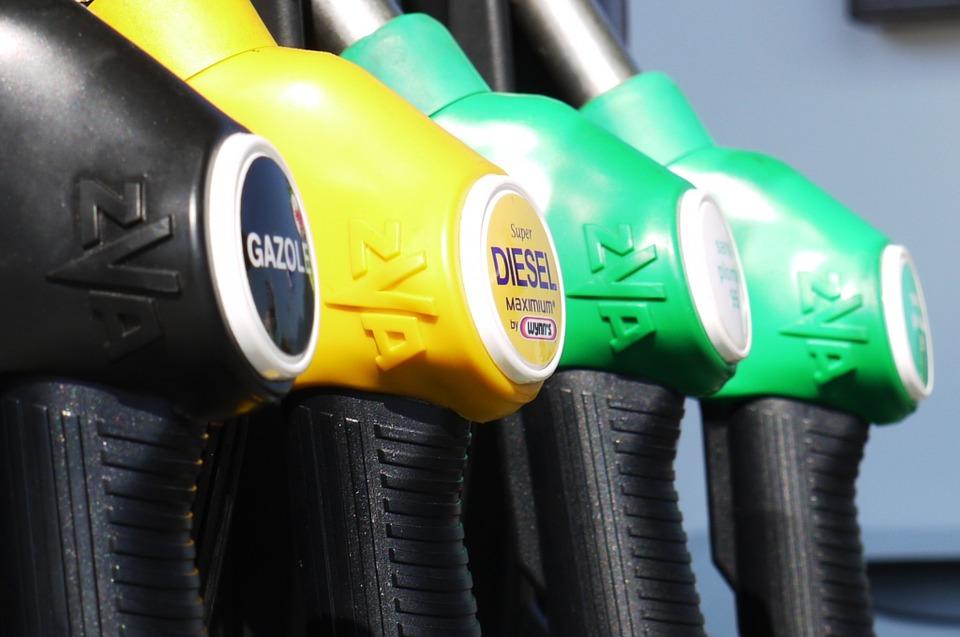 Росстат: средние цены на бензин в РФ за прошедшую неделю выросли на 1 копейку