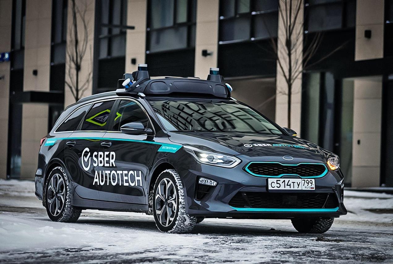 «Сбер» выпустил на дороги Москвы первые беспилотные автомобили