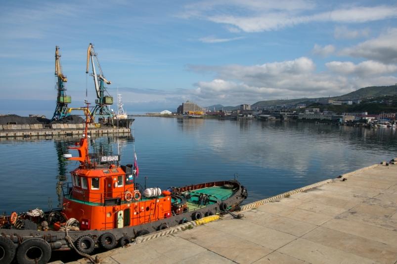 Важнейший порт Сахалинской области повысил тарифы на проезд автотранспорта