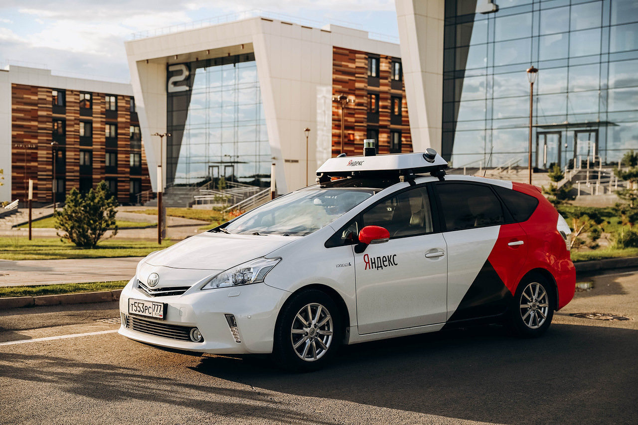 Гендиректор «Яндекса»: Обязательная сертификация беспилотных авто мешает их развитию