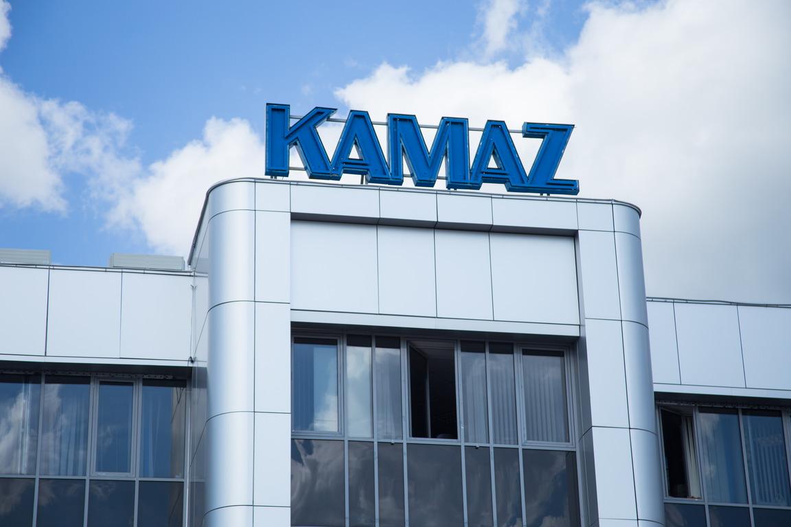«КамАЗ» и «Соллерс» приостанавливают производство на время объявленных в России выходных