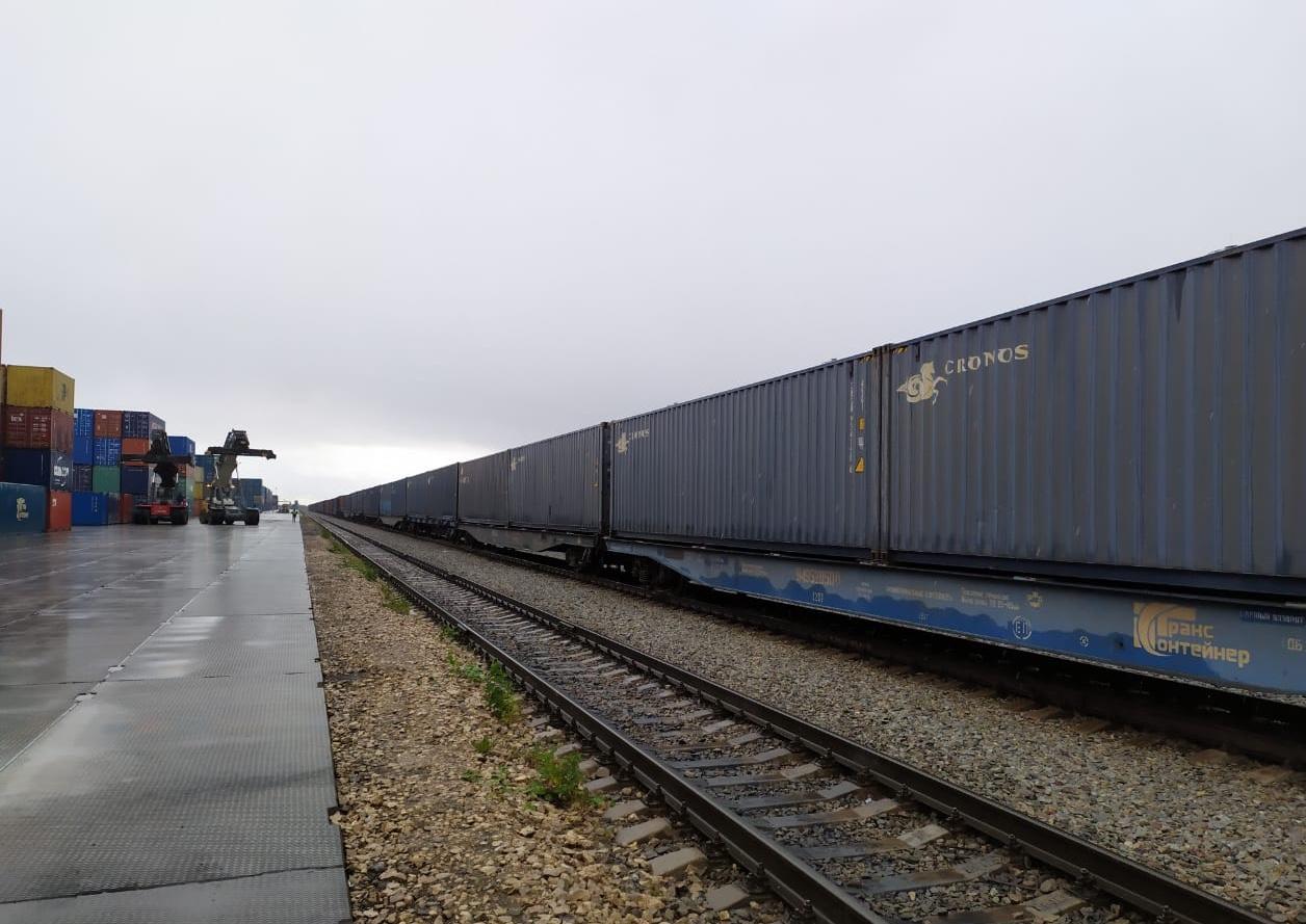 Компания «РЖД Логистика» отправила в Китай первый контейнерный поезд с отечественной агрономической продукцией