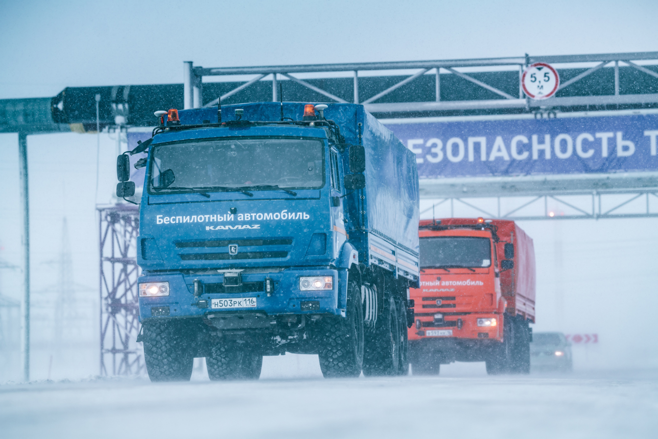 Беспилотные грузовики могут пустить по трассе М-11 до 2024 года