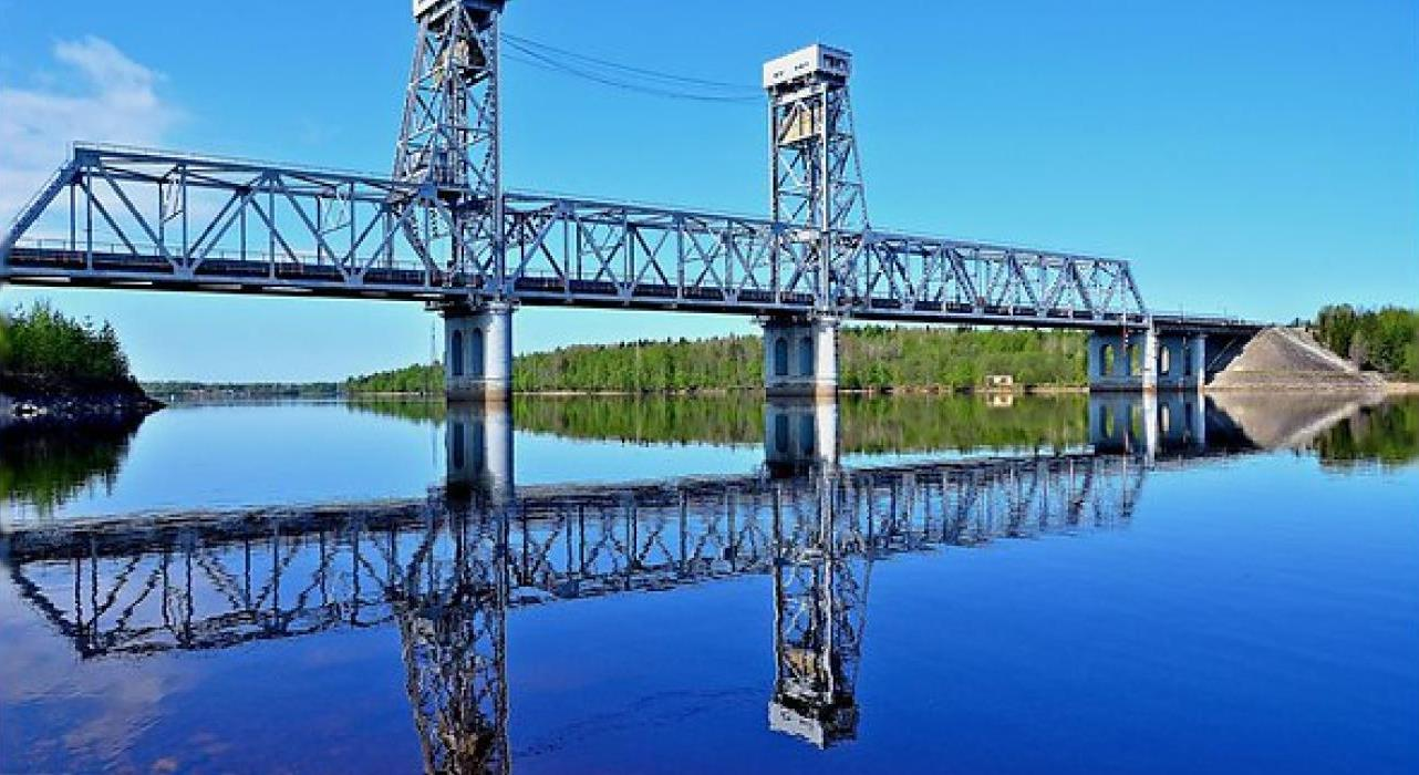 13 августа на трассе Р-21 «Кола» разведут мост через реку Свирь