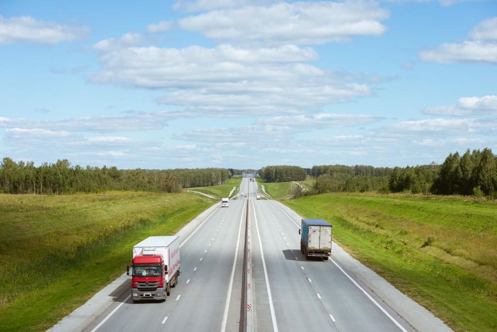 Грузооборот автомобильного транспорта продолжает падать