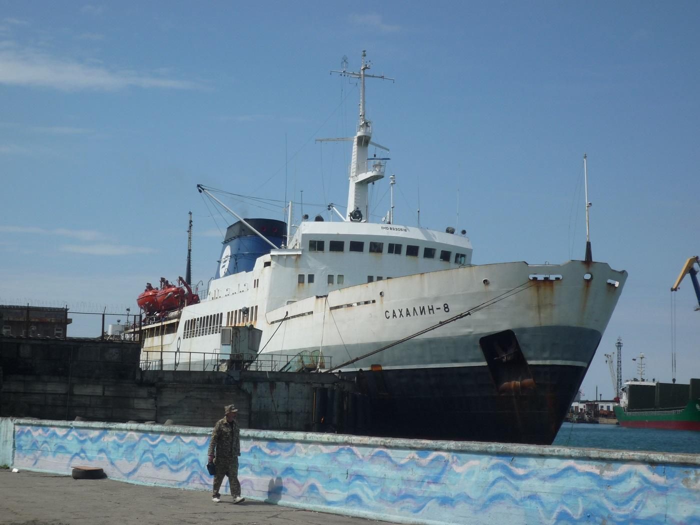Власти заинтересованы в строительстве двух грузопассажирских паромов для связи Сахалина с материковой частью России
