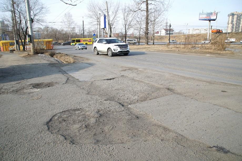 С 3 апреля тяжелым грузовикам ограничили въезд в Хабаровск