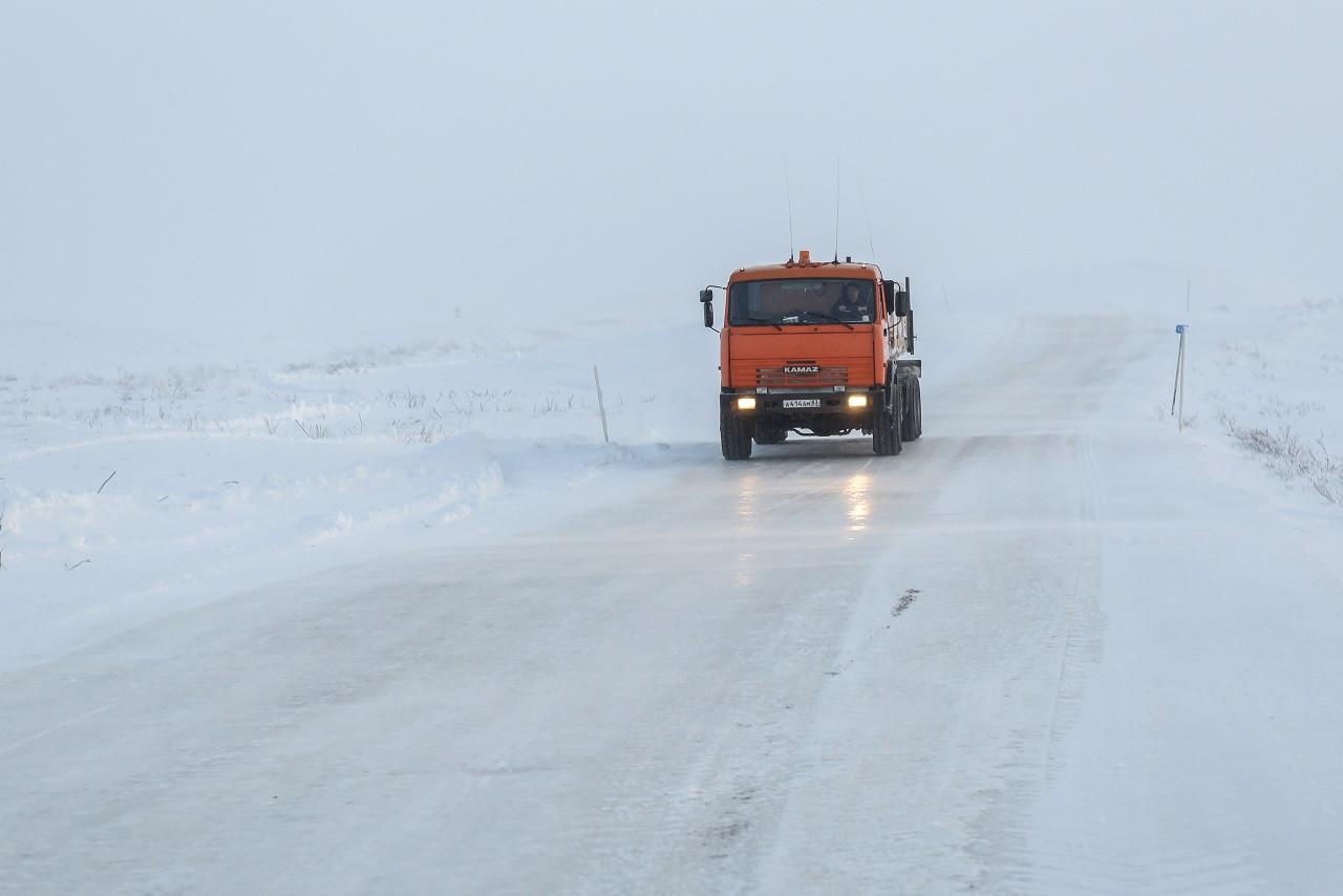 Зимник «Нарьян-Мар – Усинск» открыли для грузовиков