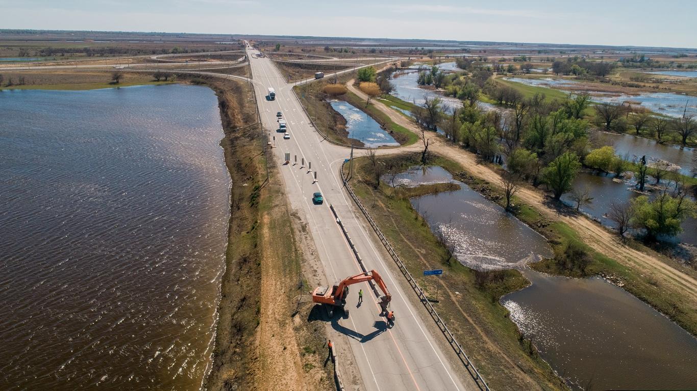 В Астраханской области в 2020 году отремонтируют 90 км федеральных трасс