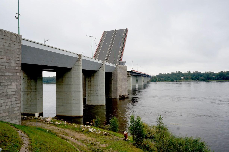 Ладожский мост на трассе Р-21 «Кола» разведут 4 сентября