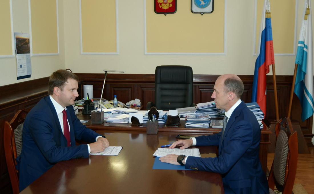Министр экономического развития поддержал идею реконструкции дороги из Республики Алтай в Казахстан