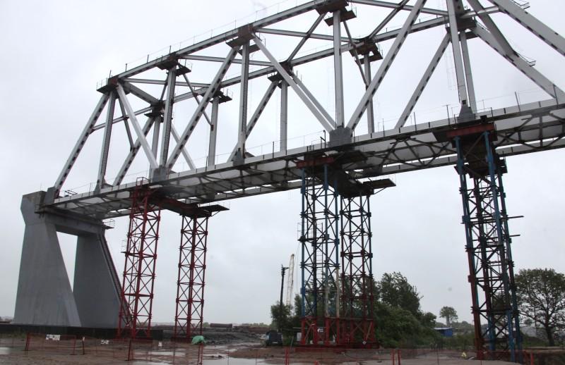 ЕАО рассчитывает на решение проблем с недостатком финансирования ж/д моста в Китай осенью