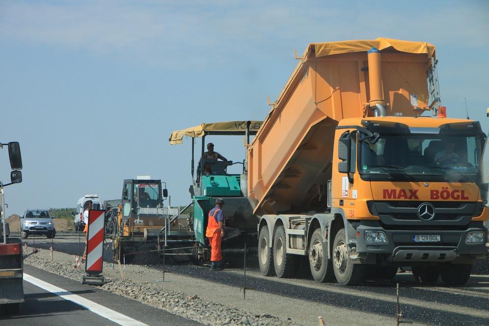 На строительство и ремонт дорог Сахалинской области в 2019 году выделено 7,4 млрд. рублей