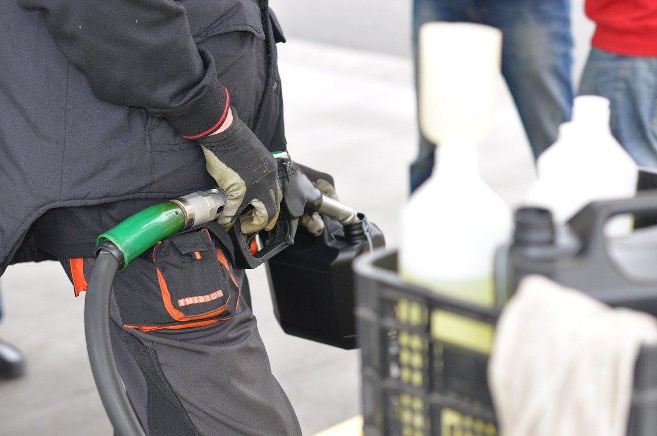 С 1 июля нормативы продаж топлива на бирже должны увеличиться