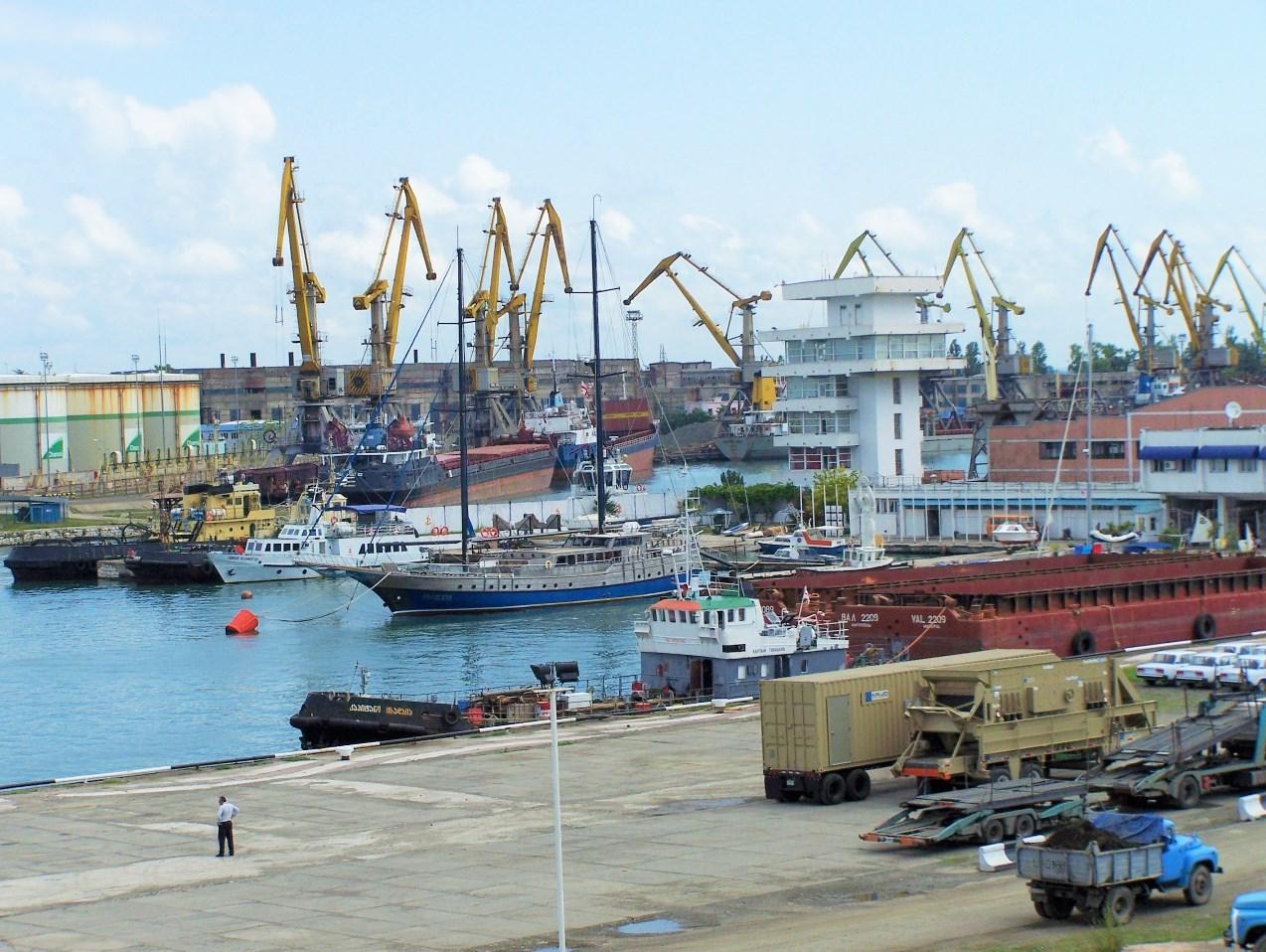 Запущено контейнерное сообщение между портами Одессы и Поти