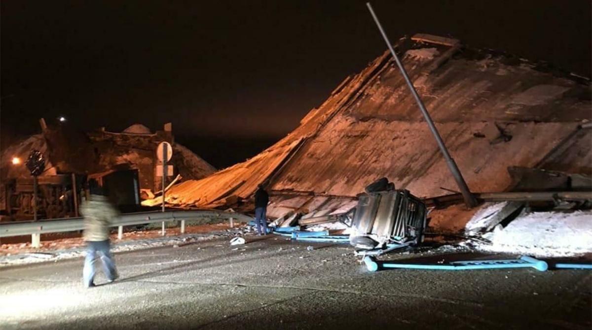В обрушении моста под Оренбургом винят колонну грузовиков