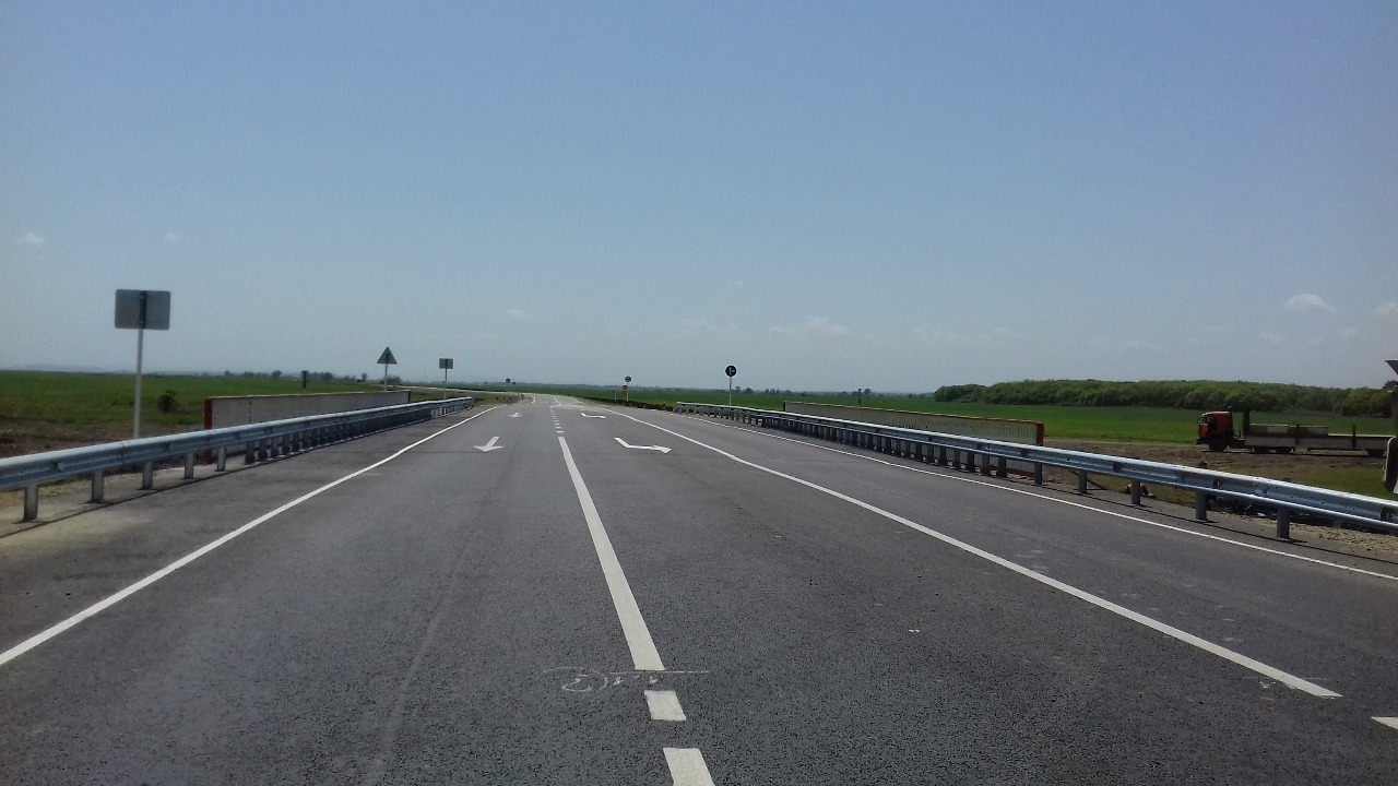 Дорогу-дублер федеральной трассы отремонтируют в Ставропольском крае