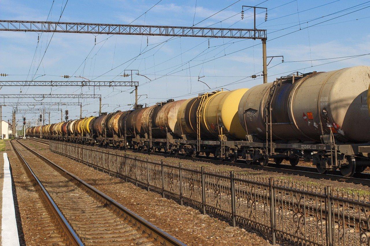 Правительство готовится ввести запрет на экспорт бензина