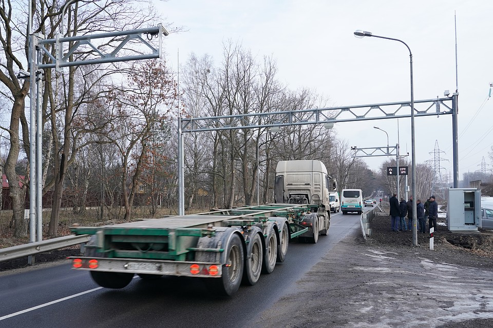 К концу этого года на региональных дорогах России заработают 90 новых пунктов весового контроля