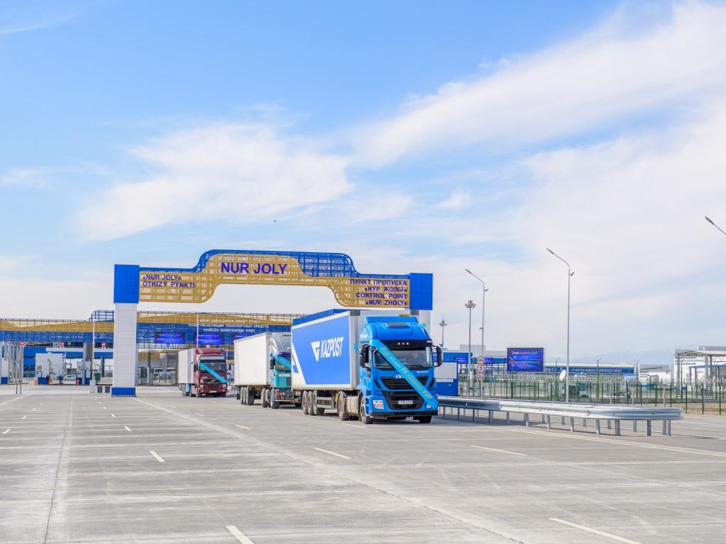 В пунктах пропуска Казахстана открывают «коридоры» МДП