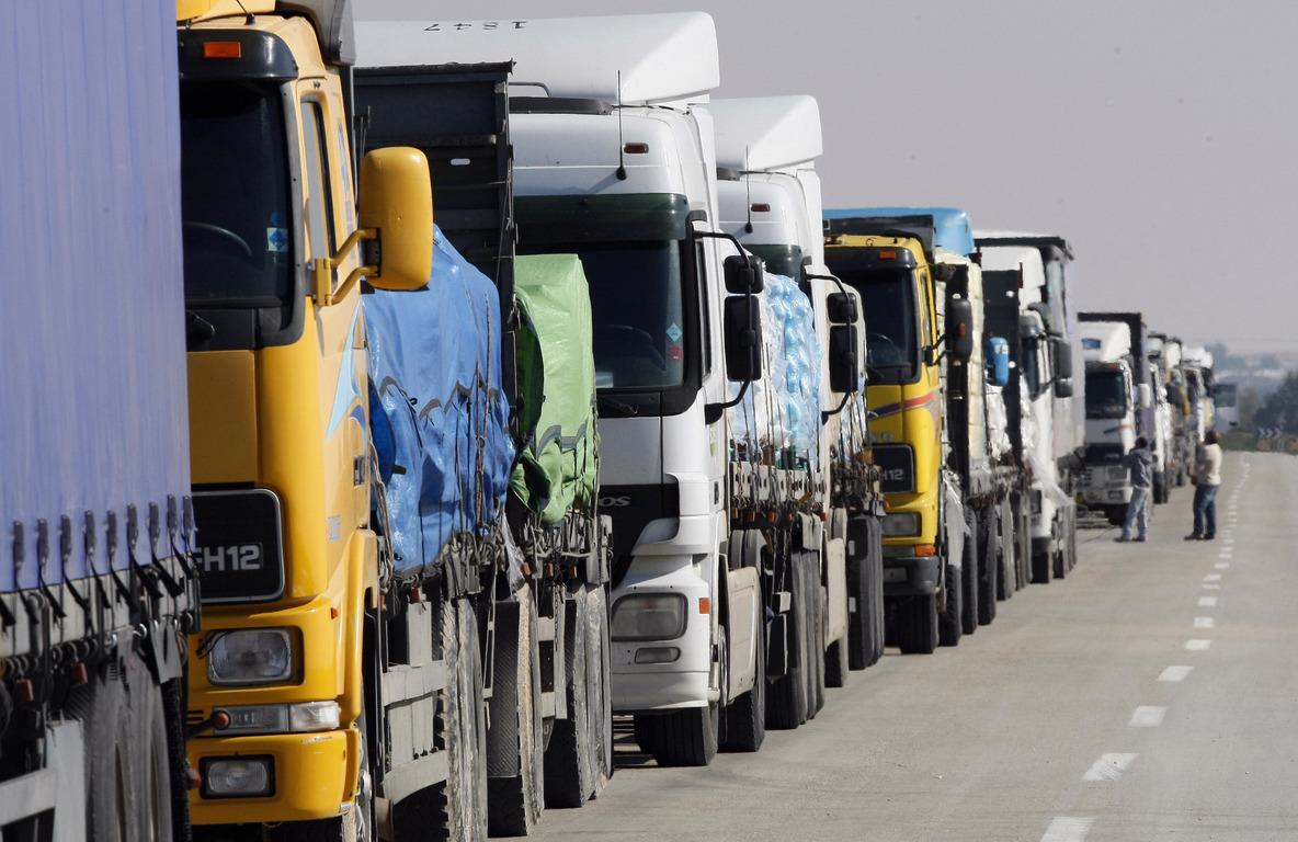 Министерство промышленности и торговли выступило за отмену пропусков для торговых грузовиков в регионах