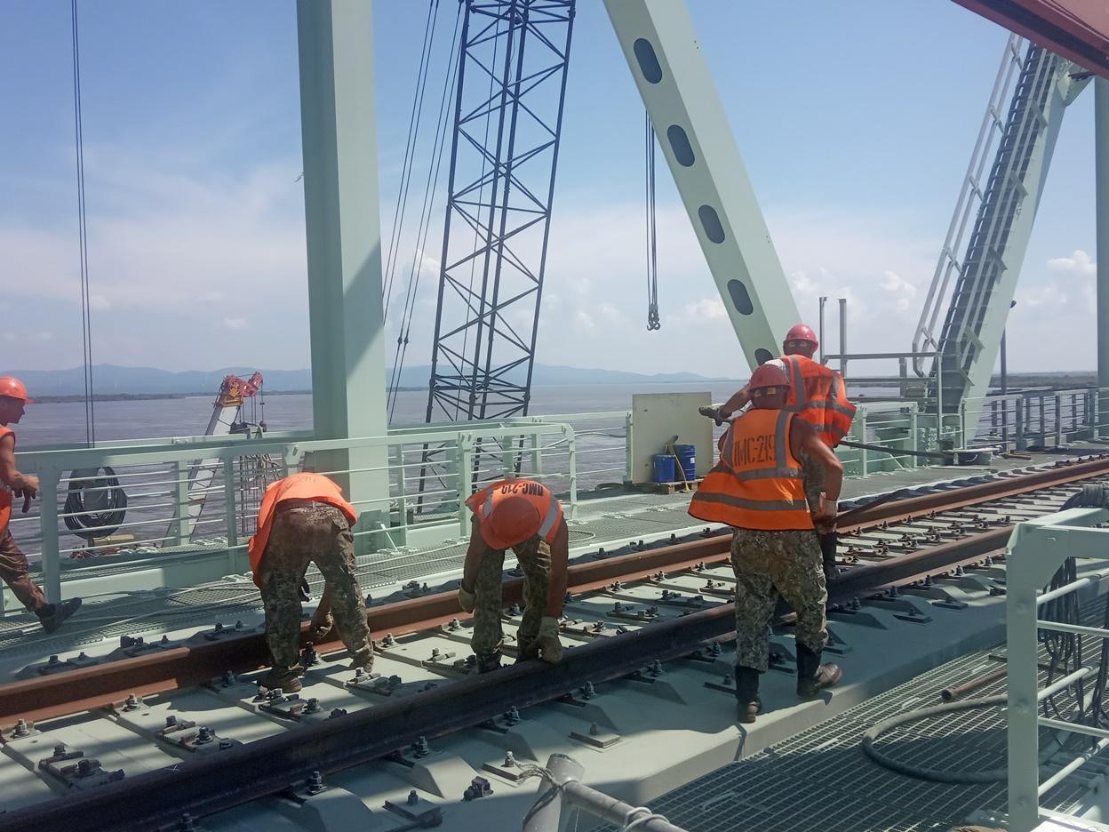 На мосту «Нижнеленинское-Тунцзян» состыковали железнодорожные пути