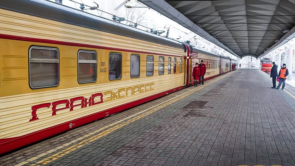 Запуск 9 поездов в Крым, запланированный на весну, переносится из-за коронавируса