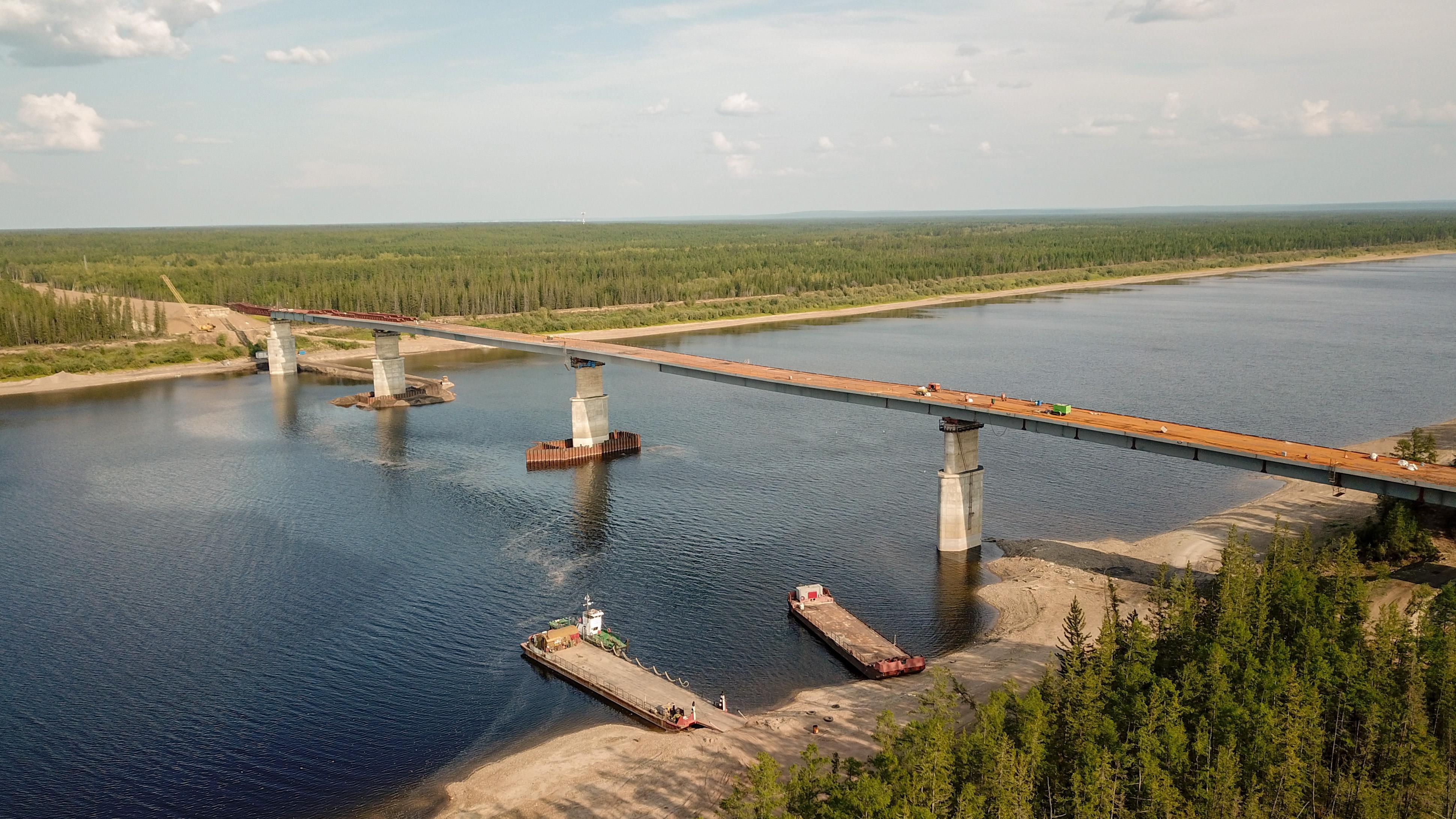 Строительство моста через реку Марха на трассе «Вилюй» в Якутии выполнено на 81%