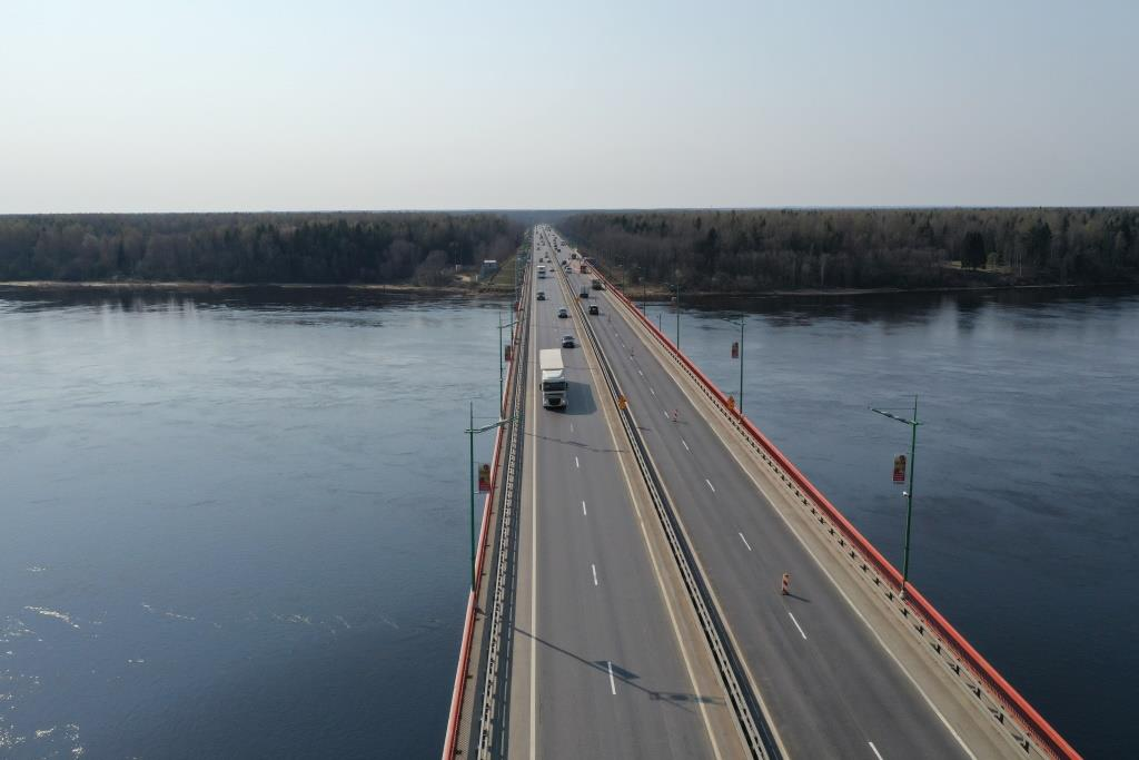 В ночь на 29 октября на два часа разведут Ладожский мост