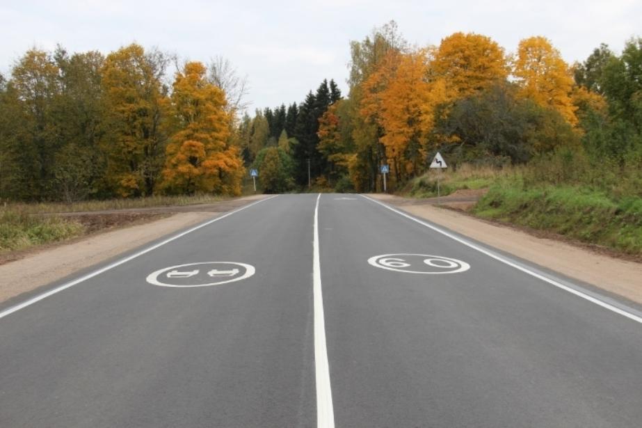 В Псковской области отремонтировали участок дороги, ведущей к Латвии