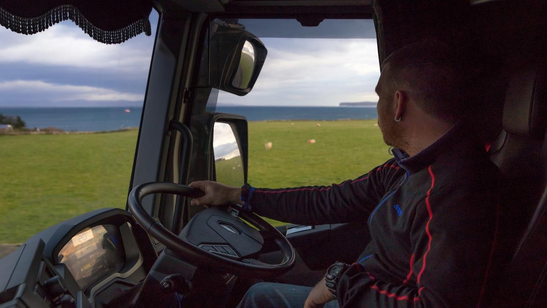 Роспотребнадзор разрешил российским водителям грузовиков соблюдать режим самоизоляции сроком менее 14 дней до ближайшего рейса