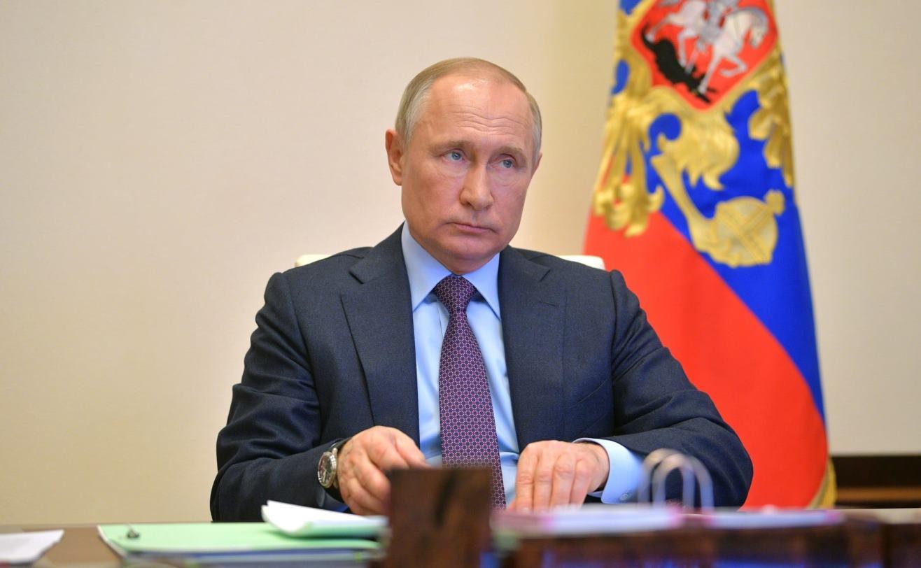Владимир Путин подписал закон о списании налогов за II квартал
