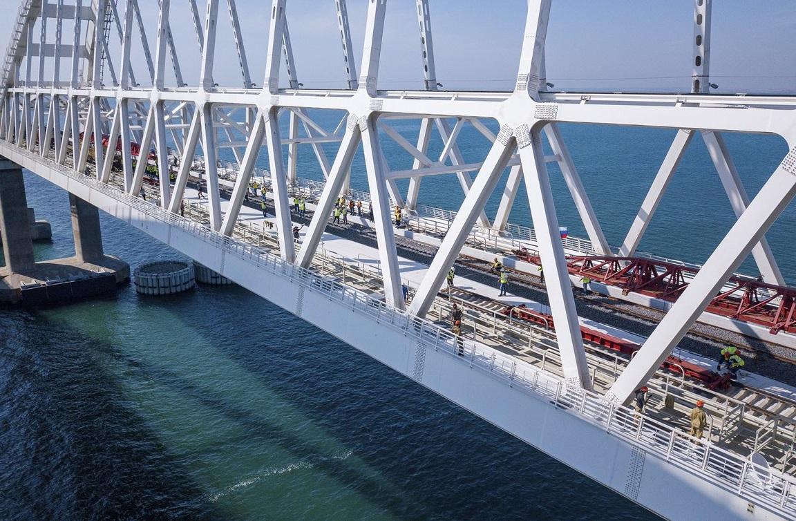 Движение поездов по Крымскому мосту откроют согласно графику до конца 2019 года