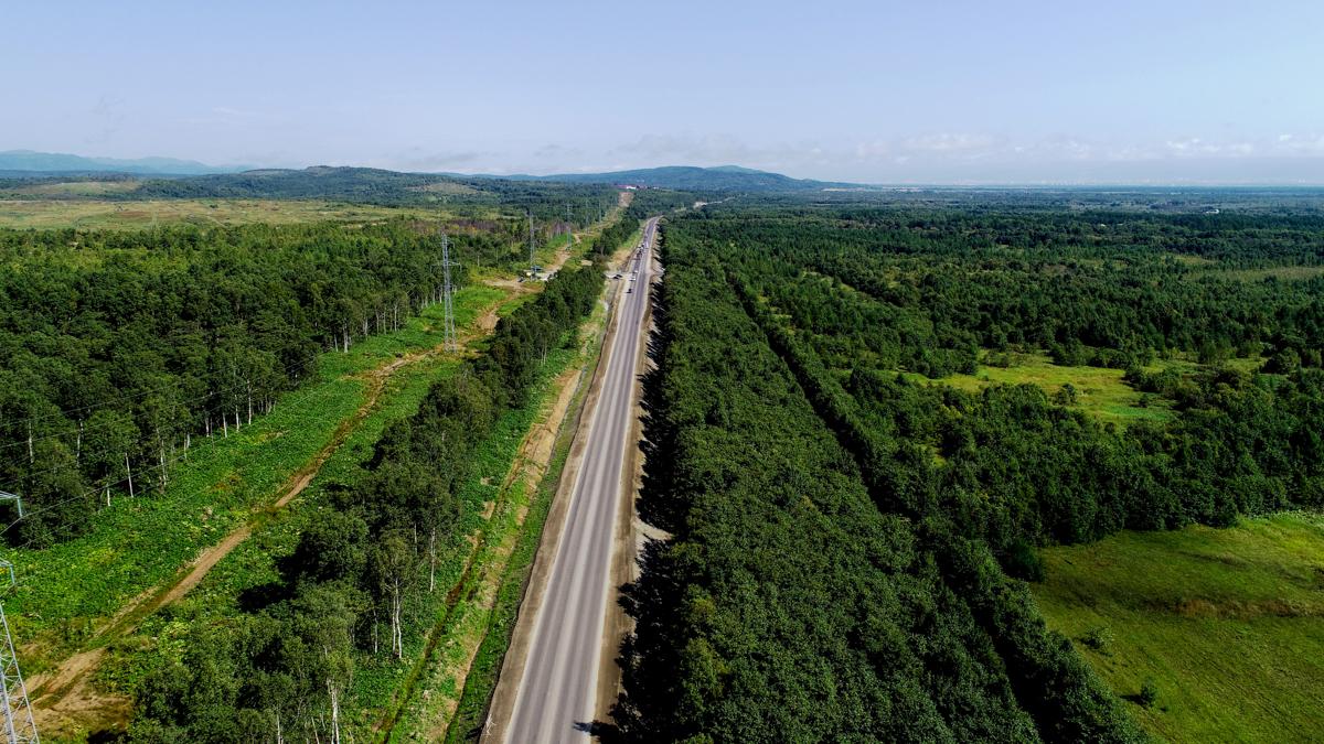 Капитальный ремонт двух участков федеральной трассы А-392 в Сахалинской области завершат в этом году
