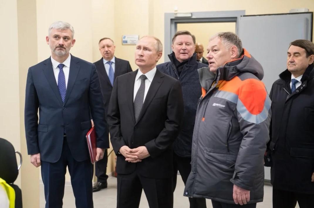 Владимир Путин открыл последний участок трассы М-11