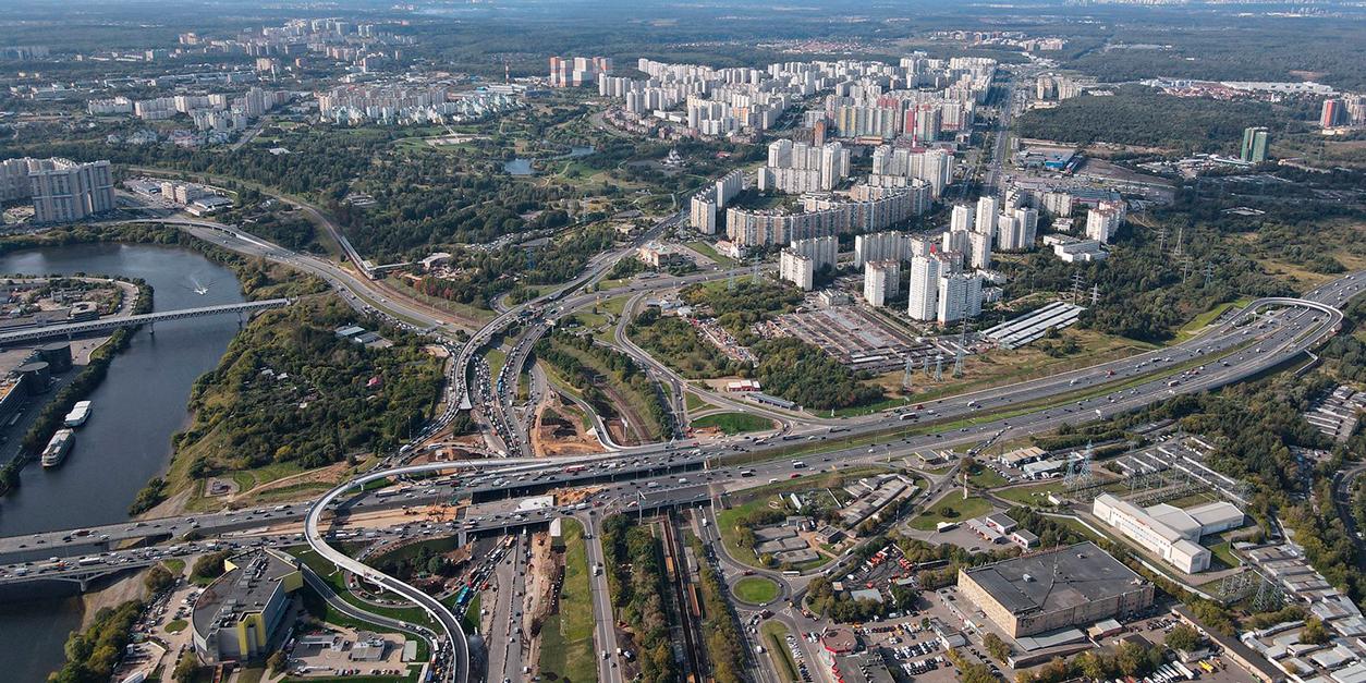 Развязку на пересечении Волоколамского шоссе и МКАД могут завершить в этом году