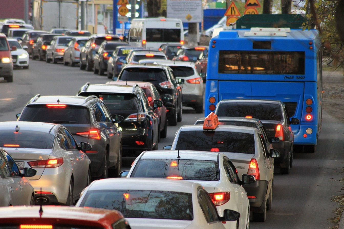 Правительство не поддержало законопроект об отмене транспортного налога